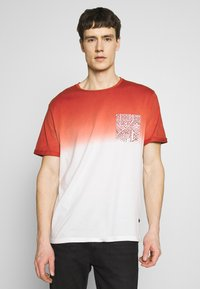 Pier One - T-shirt con stampa - red - 0