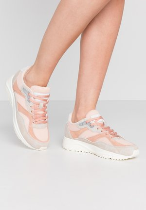 SOPHIE BREEZE - Trainers - blush