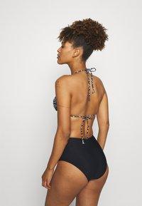 DORINA - MOMBASA - Bikini top - black - 2