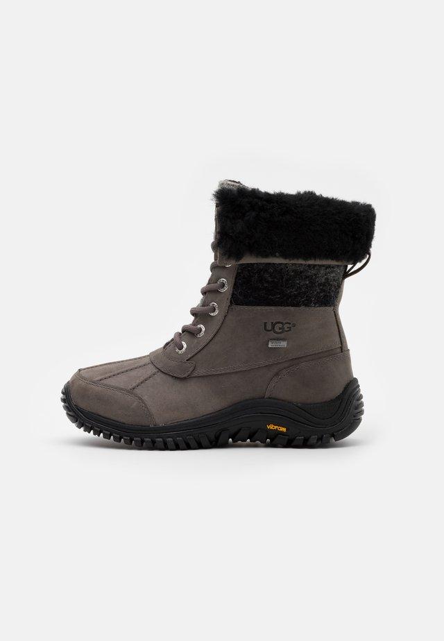 ADIRONDACK II - Winter boots - charcoal
