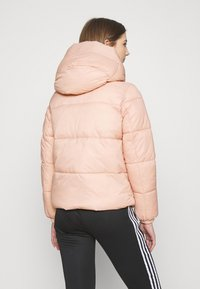 Vero Moda - VMUPSALA SHORT JACKET - Zimní bunda - mahogany rose - 2