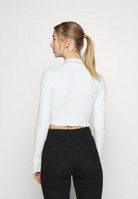 Monki - BLAZE 2 PACK - Maglietta a manica lunga - lilac/white - 2