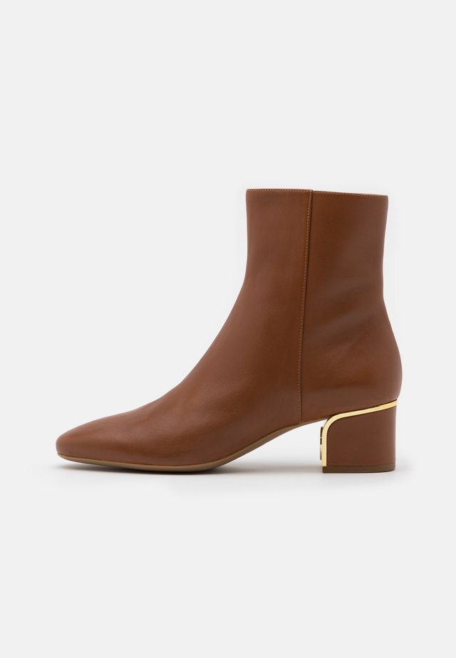 LANA MID BOOTIE - Classic ankle boots - luggage