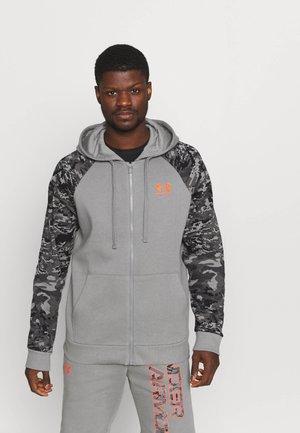 RIVAL CAMO SCRIPT - Zip-up sweatshirt - grey
