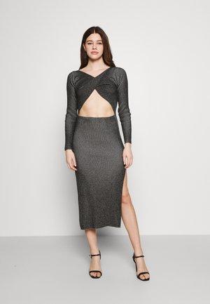 LONG SLEEVE PLATED MIDI DRESSW TWIST - Jumper dress - black