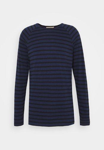 Camiseta de manga larga - blueberry