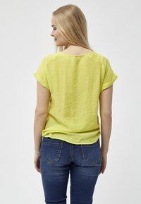 PEPPERCORN - FENG  - Blouse - safety yellow - 2
