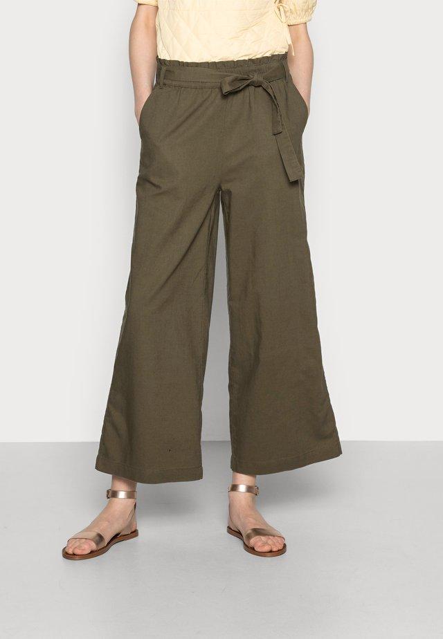 FLOATY PANT - Pantaloni - khaki green