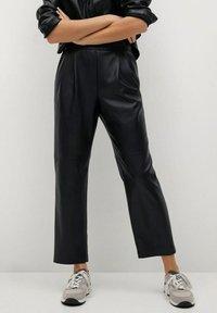 Mango - SIENA - Leather trousers - zwart - 0