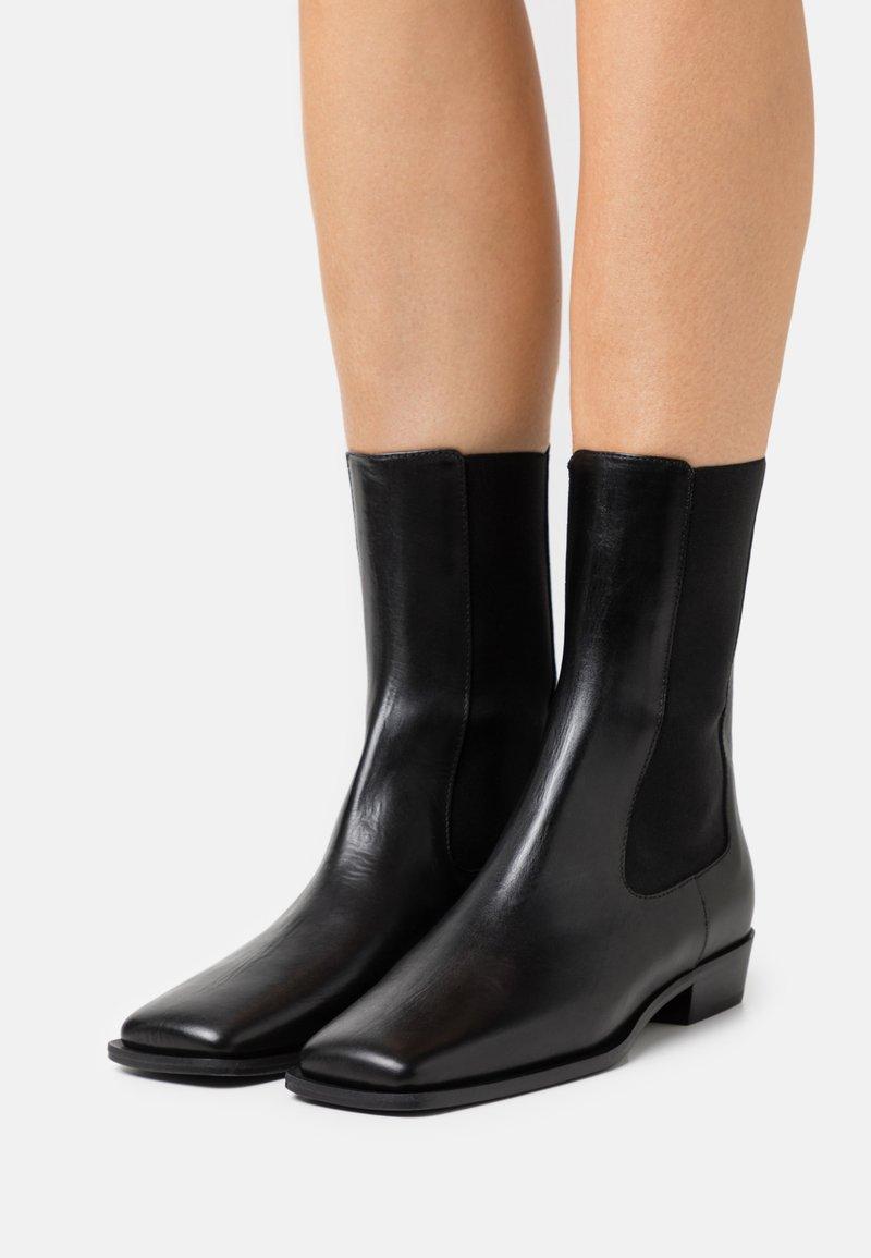 ARKET - BOOT - Korte laarzen - black