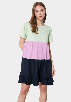 Vestido ligero - green