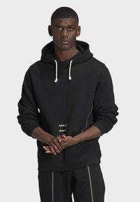 adidas Originals - HOODIE - Hoodie - black - 0