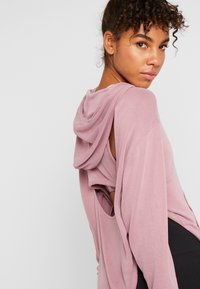 Free People - BACK INTO IT HOODIE - Luvtröja - pink - 3