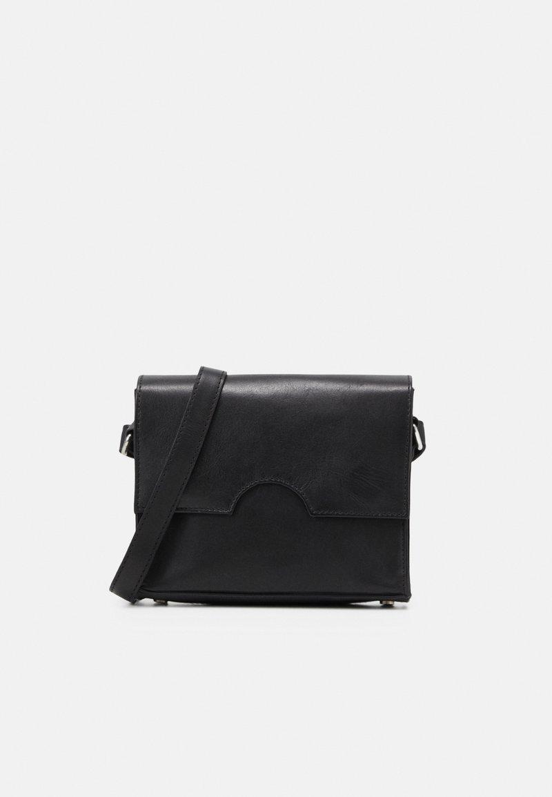 Still Nordic - NOBI VINTAGE CROSSBODY - Across body bag - black