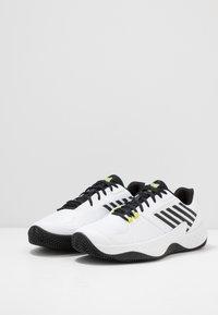 K-SWISS - AERO COURT HB - Clay court tennis shoes - white/black/yellow - 2