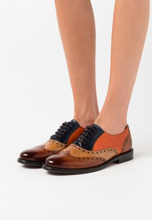 SELINA - Lace-ups - cognac/sand/marine/winter orange