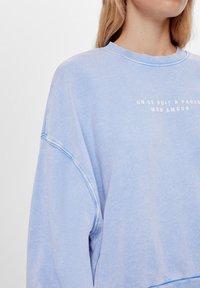Bershka - MIT PRINT UND STICKEREI  - Sweatshirts - light blue - 3