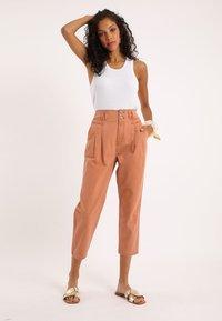 Pimkie - Straight leg jeans - rot - 1