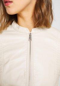 Vero Moda - VMRIAMARTA  - Faux leather jacket - birch - 5