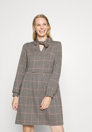 DRESS INTERLOCK - Day dress - powder creme/multi