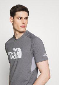 The North Face - MENS WICKER GRAPHIC CREW - Print T-shirt - medium grey heather/white - 4