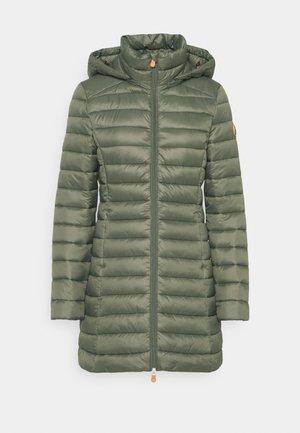 GIGA CAROL - Abrigo de invierno - thyme green