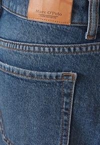 Marc O'Polo - SKIRT OVER KNEE LENGTH - Denim skirt - mid authentic wash - 2