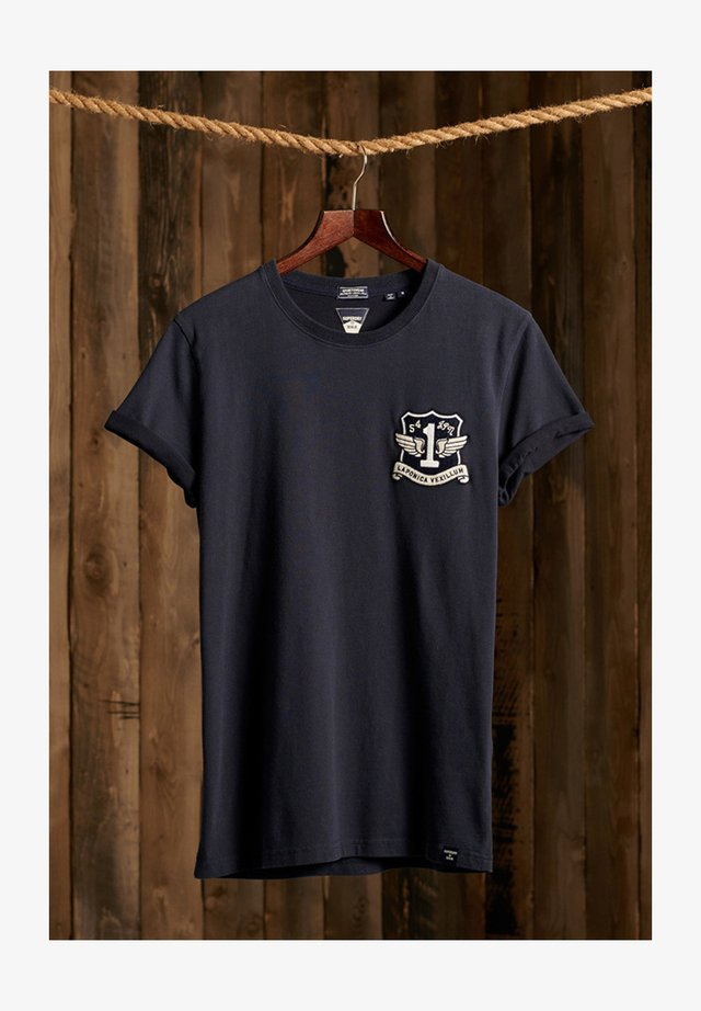 VINTAGE APPLIQUE - T-shirt imprimé - downhill navy