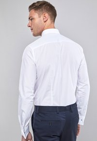 Next - WHITE SLIM FIT DOUBLE CUFF CURVED CUTAWAY COLLAR SHIRT - Camicia elegante - white - 1