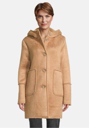 Short coat - ocker