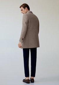 Mango - Short coat - middenbruin - 2