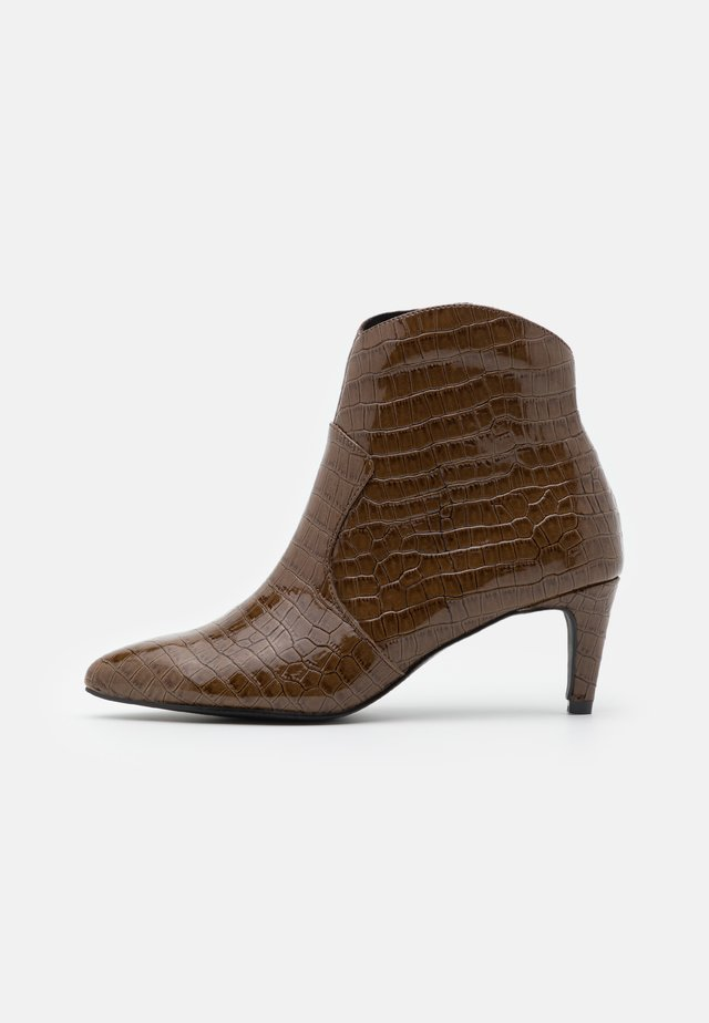 VMMILA BOOT - Classic ankle boots - emperador