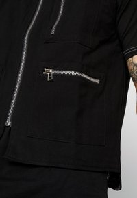 The Ragged Priest - QUILTED GILET - Vesta - black - 5