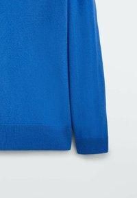 Massimo Dutti - MIT V-AUSSCHNITT - Stickad tröja - blue - 3