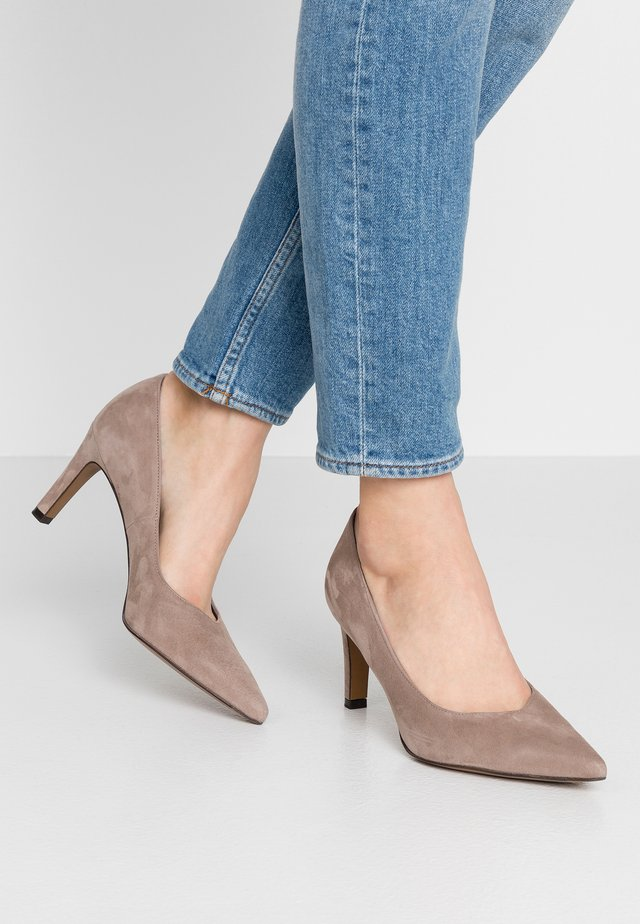 WIDE FIT TELSE - Tacones - taupe