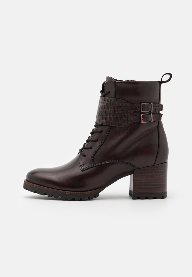 BOOTS RELAXED FIT - Bottines à lacets - mocca