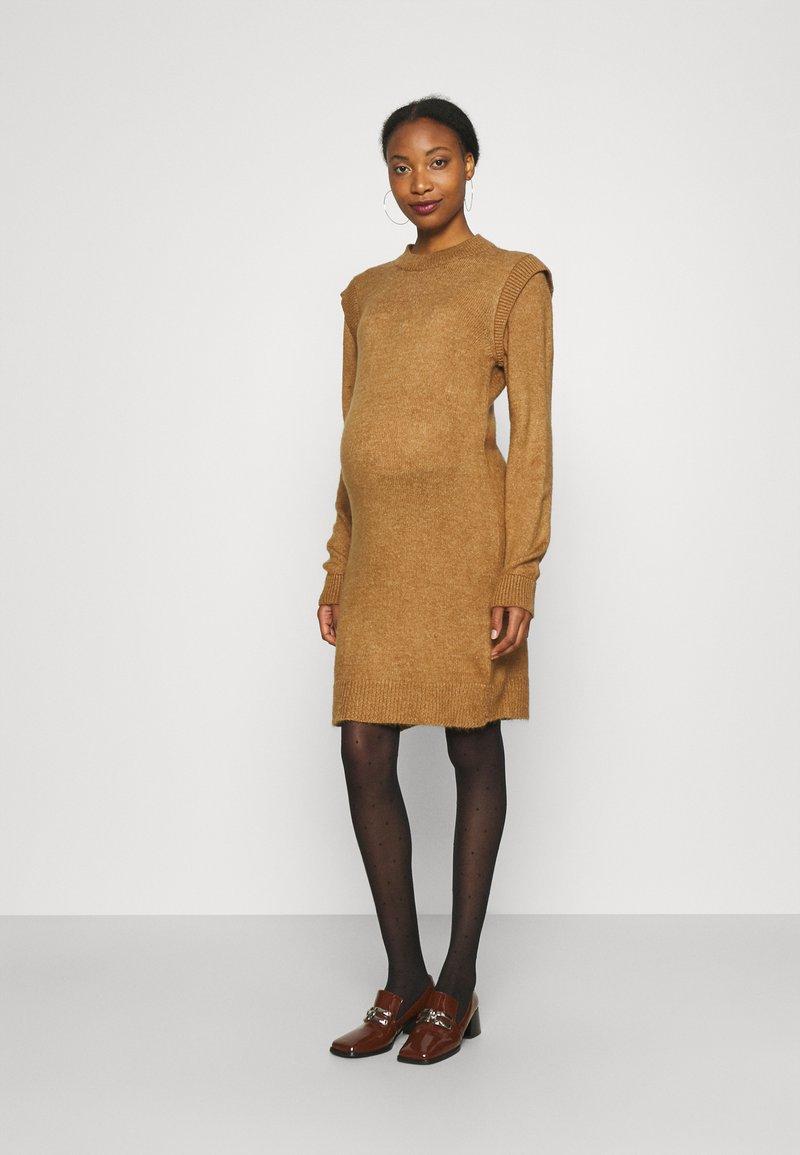 Supermom - DRESS - Stickad klänning - toasted coconut