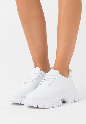 CHEW ON YOUR  - Trainers - white