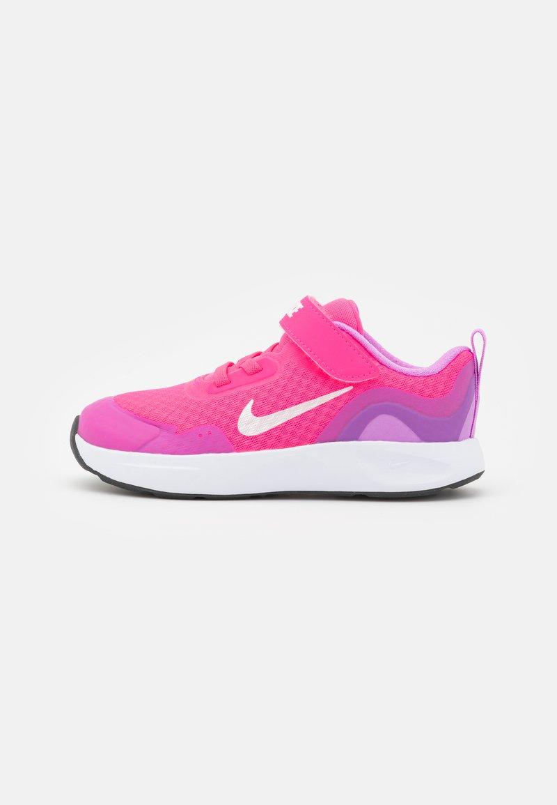 Nike Sportswear - WEARALLDAY UNISEX - Sneakers laag - hyper pink/white/fuchsia glow/dark smoke grey