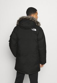 The North Face - RECYCLED MCMURDO UTILITY - Untuvatakki - black - 2