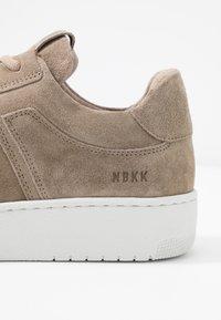 Nubikk - YUCCA CANE - Sneakers basse - beige - 2