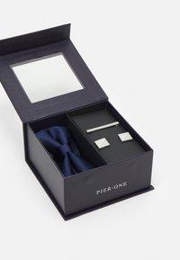 Pier One - FLIEGE SET - Kapesník do obleku - dark blue - 4