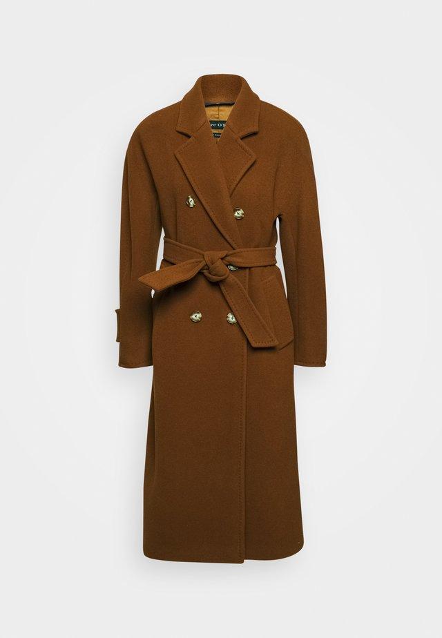 COAT LONG WELT POCKETS BELT - Mantel - chestnut brown