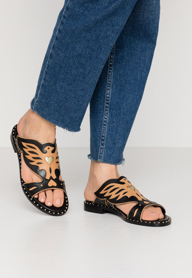 PAPAYA - Mules - soft basil black/nude