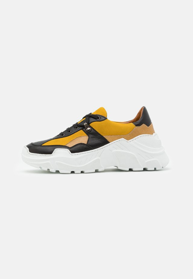 Trainers - palermo nero/yellow/lucrezia