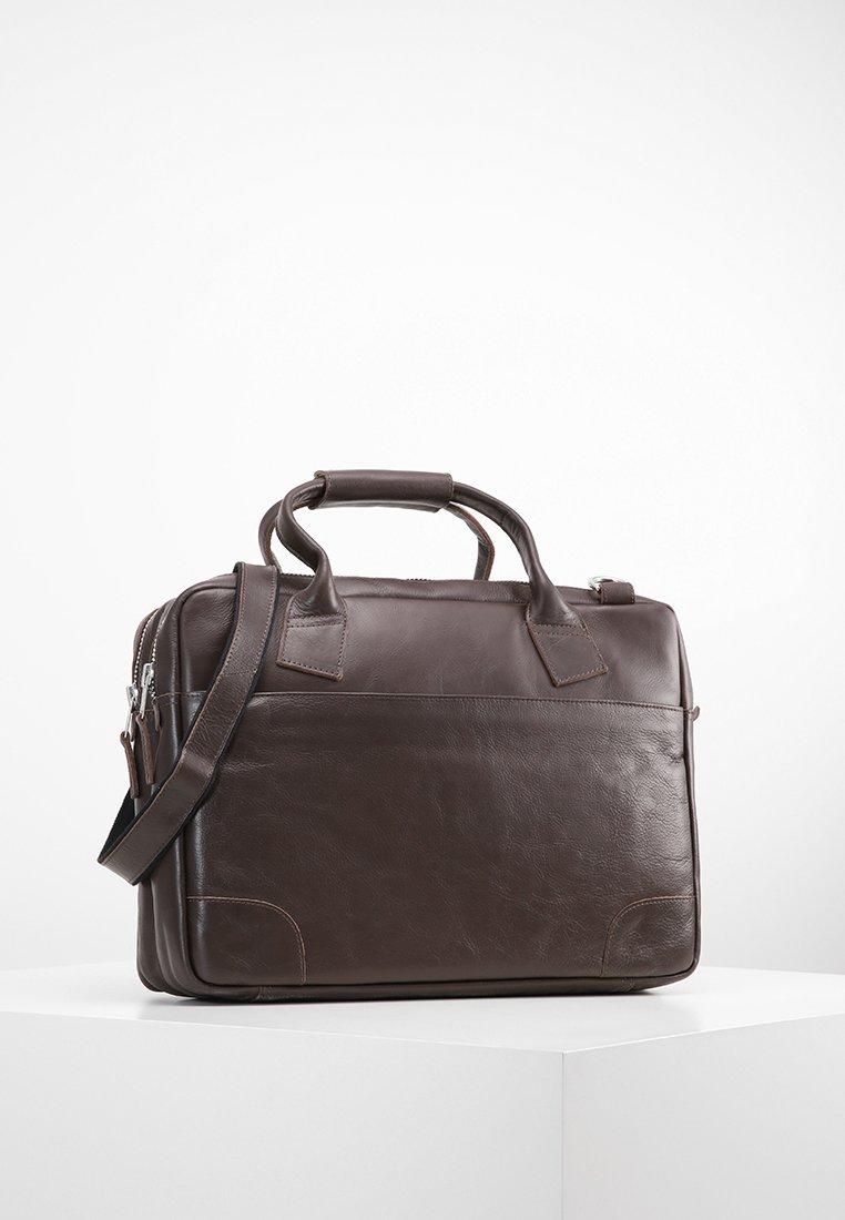 Royal RepubliQ - NANO BIG ZIP - Laptop bag - brown