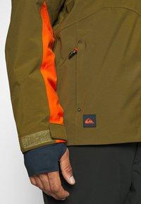 Quiksilver - CORDILLERA - Snowboard jacket - military olive - 8