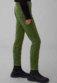 Marc O'Polo - ALBY SLIM - Trousers - lush pine - 3