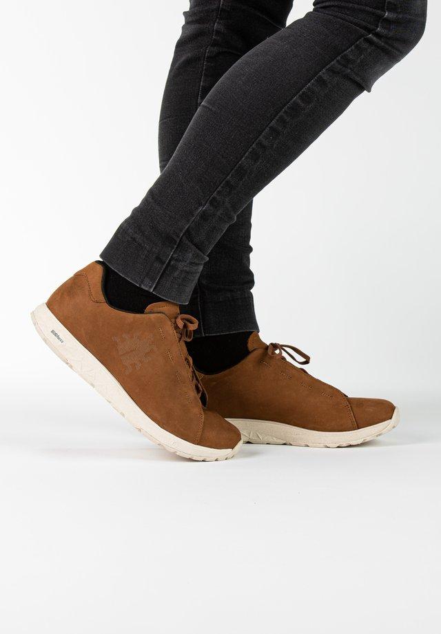 Sneakers laag - hazel