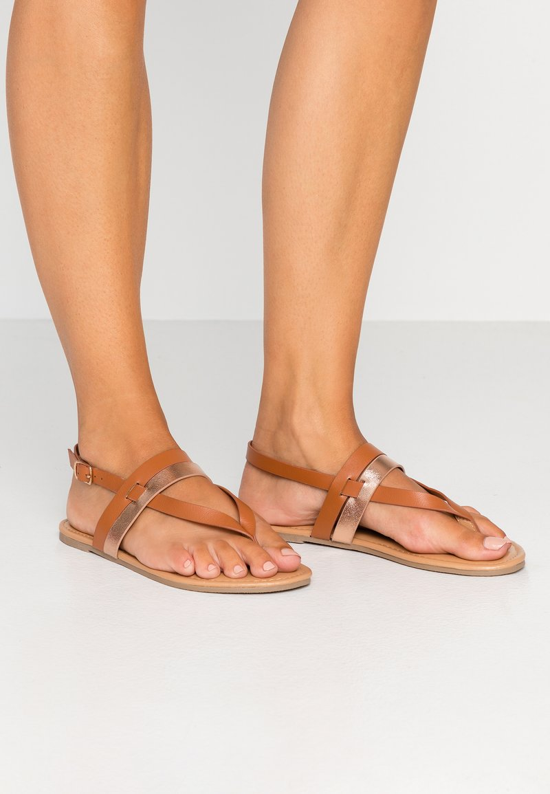 Dorothy Perkins Wide Fit - WIDE FIT FUTURE - tåsandaler - tan/gold